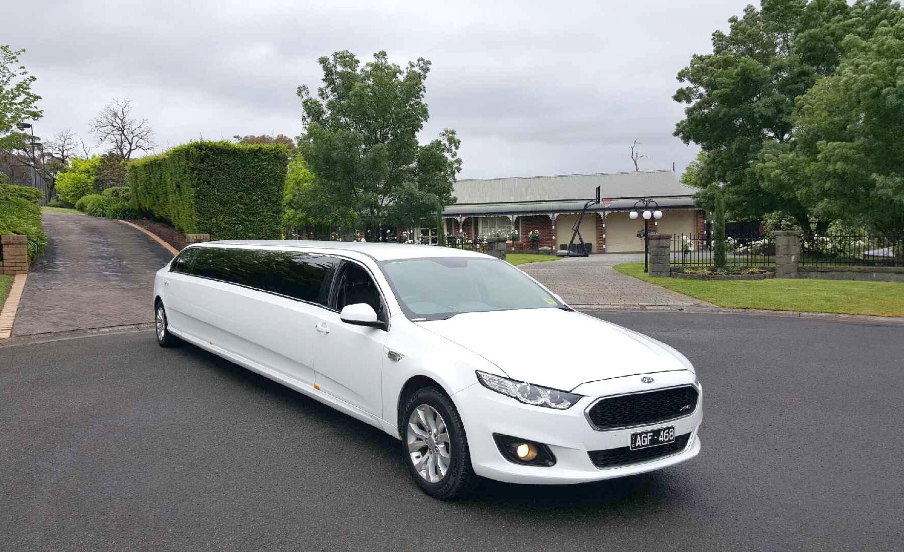 13 passenger limousine